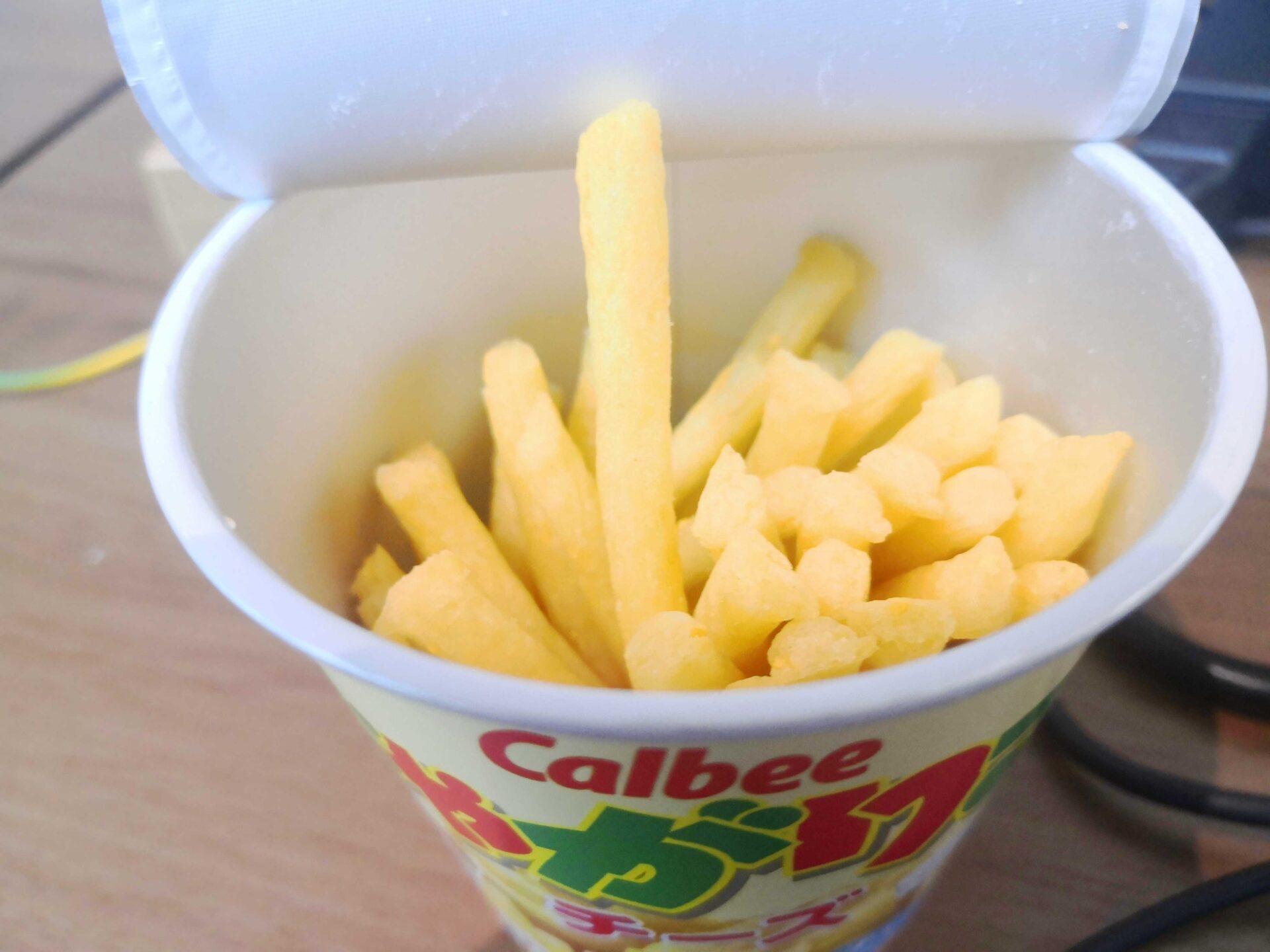 カルビー じゃがりこチーズ味